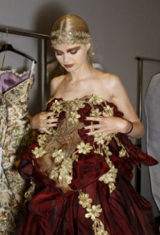 See All The Backstage Beauties at Haute Couture Week