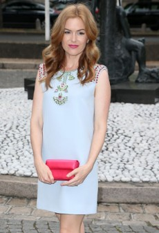 Get the Look: Isla Fisher's Pretty Pastels