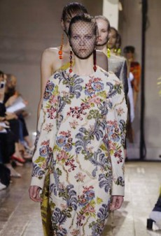 Maison Martin Margiela Goes Vintage for Fall 2014 Haute Couture — and Falls Flat