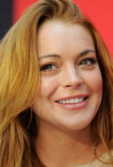 Link Buzz: Lindsay Lohan Is a Stage Actress Now, Alicia Keys' Stylist and Marc Bouwer Feud