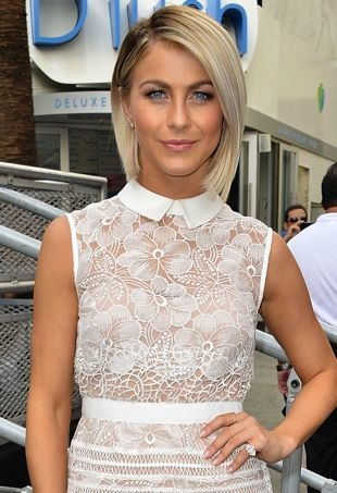 Julianne-Hough-SamsungElectronicsEvent-portraitcropped