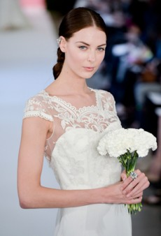 7 Things to Know Before Buying a Wedding Dress Online