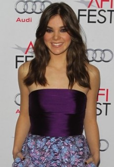 Hailee Steinfeld Hits AFI Fest in a Patterned Monique Lhuillier Dress