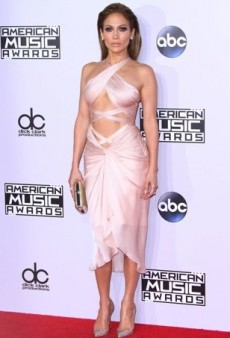 Stars Rock Everything from Heavy Metals to Pops of Vivid Color on the 2014 American Music Awards Red Carpet