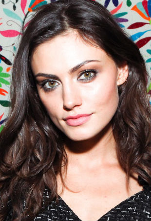phoebe-tonkin-girls-in-frame-p