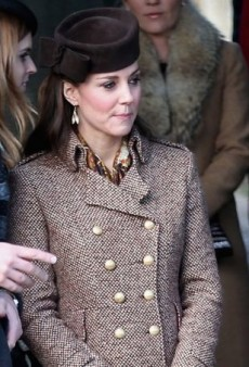 Kate Middleton Wraps Up in a Covetable Christmas Coat