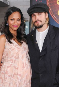 Link Buzz: Zoe Saldana Reveals Her Baby Boys' Names, Selena Gomez Flashes Her Ankles at a Mosque