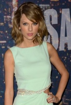 Taylor Swift Celebrates SNL in Azzaro