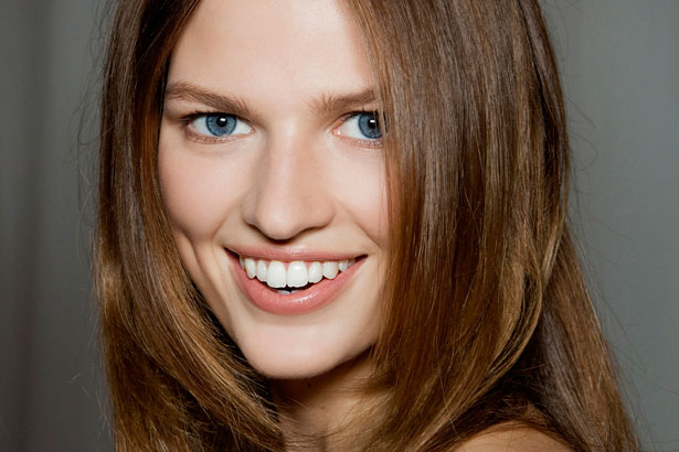 model smiling: how to get rid of blackheads