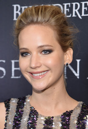 Jennifer-Lawrence-Serena-Premiere-March-p