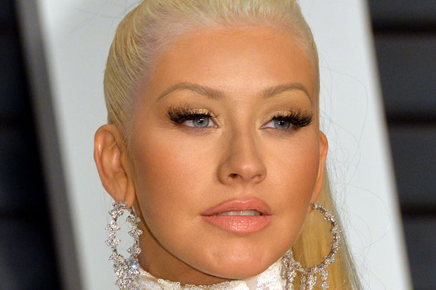 christina-aguilera-vanity-fair-oscars-party-2015-bad-bronzer