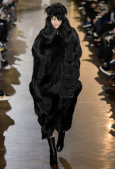Stella McCartney Promotes Fur-Free Fur at Paris Fashion Week
