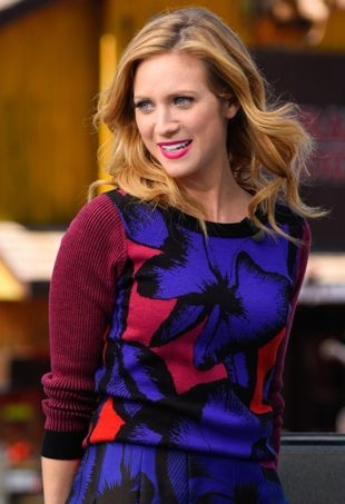 Brittany-Snow-Extra-portraitcropped