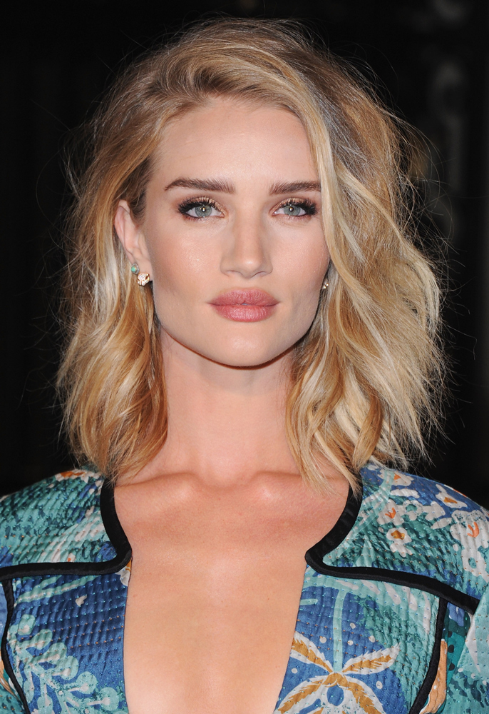 Rosie Huntington-Whiteley beach waves