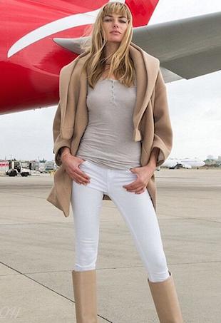 JessicaHart-Qantas