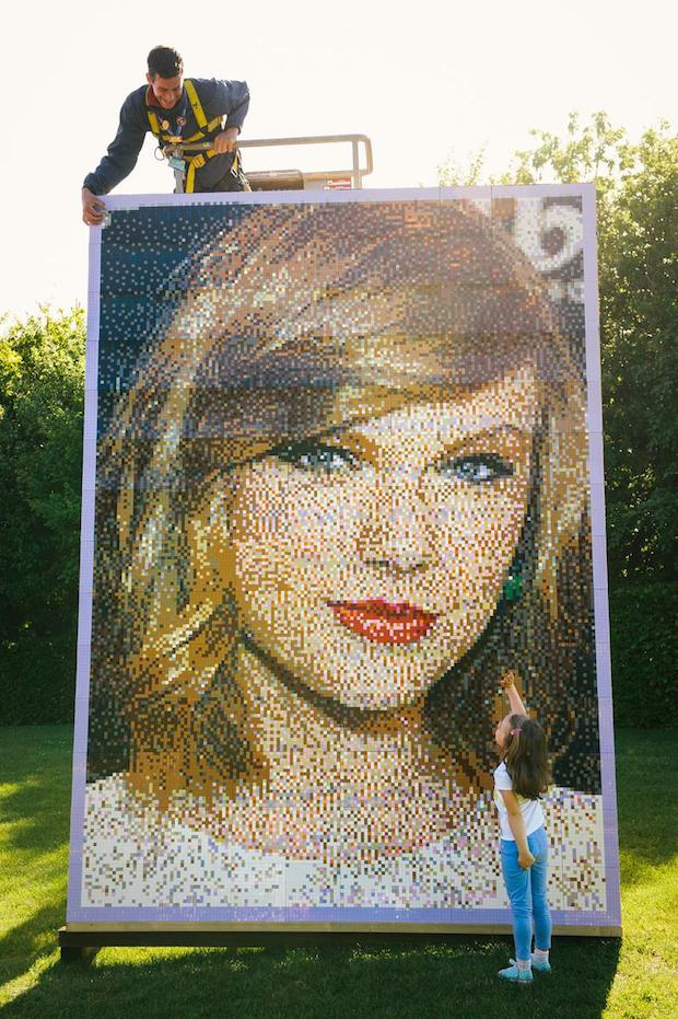 Taylor Swift LEGOLAND