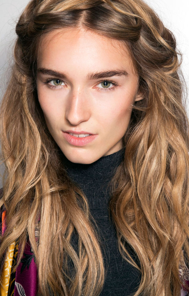 How To Use Sea Salt Spray To Style Your Hair The Fashion