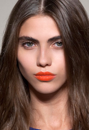 how-to-wear-bright-lipstick1