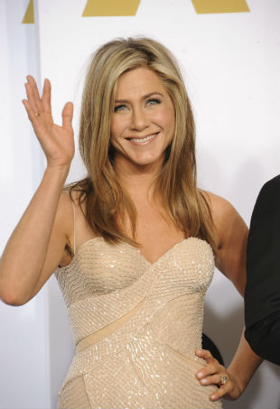 Jennifer Aniston red carpet