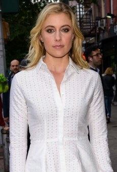 Greta Gerwig Sports the Perfect Summer Shirtdress