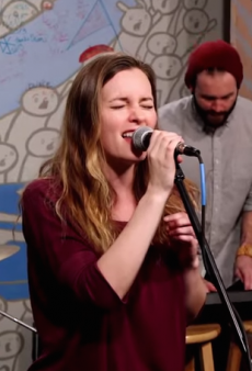 Watch: Leighton Meester Covers Your Fave 90s Jam