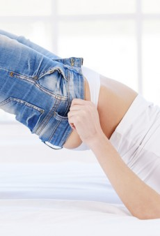 Skinny Jeans Cause Woman to Collapse and Go To Hospital
