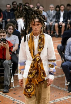 Link Buzz: Junya Watanabe African-Themed Runway Show Had No Black People, Tyra Banks Speaks on the State of Modern Modeling