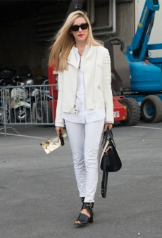 8 Fresh Ways to Wear White Jeans ALL Year Long