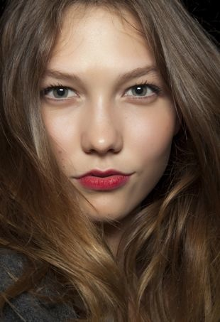 tommy-hilfiger-spring-summer-2011-dry-shampoo-portraitcropped