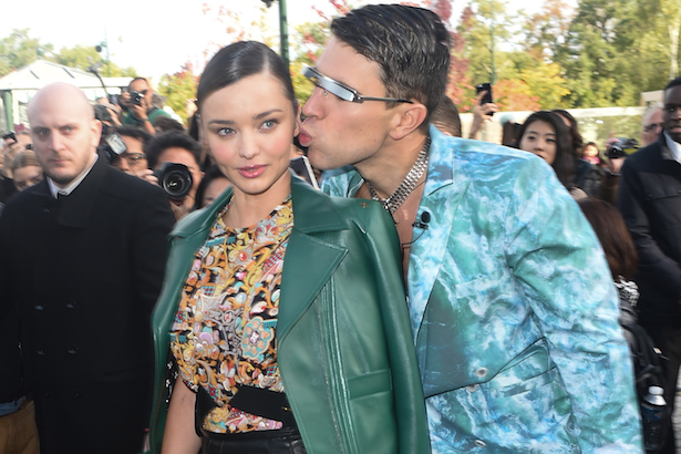 Miranda Kerr gets pranked outside Louis Vuitton