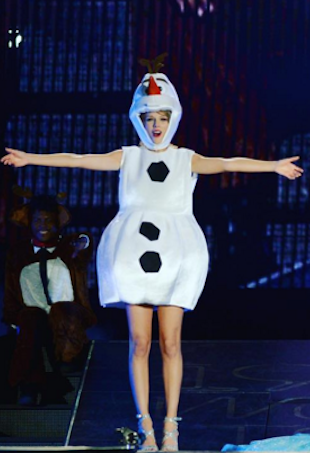 Taylor Swift as Olaf the Snowman