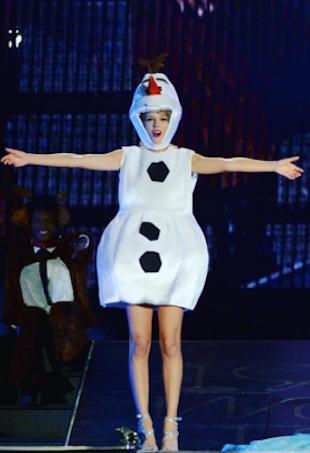 Taylor Swift as Olaf the Snowman