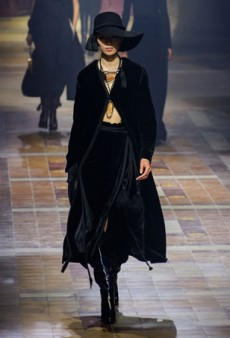Velvet Is Fall's Biggest Catwalk Comeback