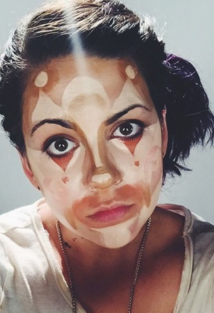 clown-contouring-worst-beauty-trends-2015-portrait
