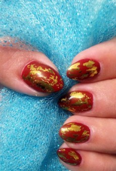 Instagram's Foil Nail Trend Is the Manicure of Your Holiday Dreams