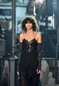 Karl Lagerfeld Brings Paris to Rome for Chanel Metiers d'Art Collection: See All the Runway Looks