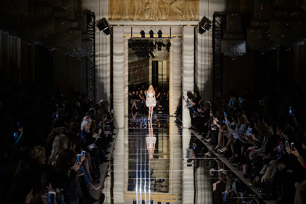 See all the Zuhair Murad Haute Couture Spring 2016 looks from the runway.