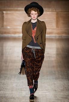 Vivienne Westwood Fall 2016 Runway