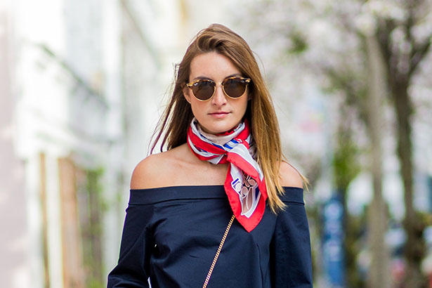 15 Chic And Creative Ways To Tie A Scarf Thefashionspot