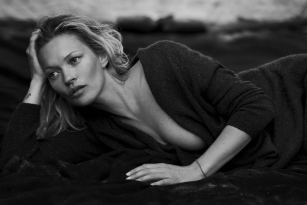 Naked Cashmere F/W 2016.17 : Kate Moss by Peter Lindbergh