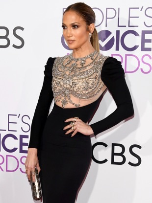 LOS ANGELES, CA - JANUARY 18: Actress/singer Jennifer Lopez attends the People's Choice Awards 2017 at Microsoft Theater on January 18, 2017 in Los Angeles, California. (Photo by Alberto E. Rodriguez/Getty Images)