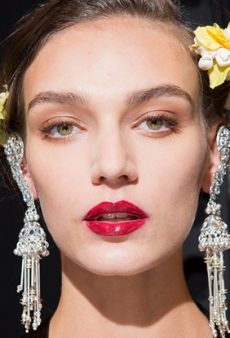 9 Brilliant Beauty Tips We Picked Up From the Pros Backstage at NYFW Spring 2018