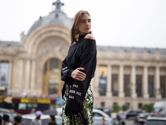 Hold Everything: Oversized Bags Are About to Be HUGE (Again)