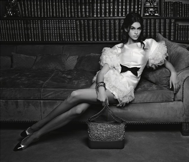 Chanel Handbags S/S 2018 : Kaia Gerber by Karl Lagerfeld