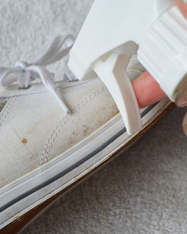 how to keep white vans shoes clean
