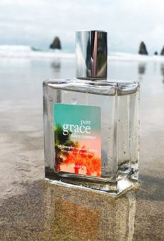 These Tropical Perfumes Are Like a Vacay in a Bottle