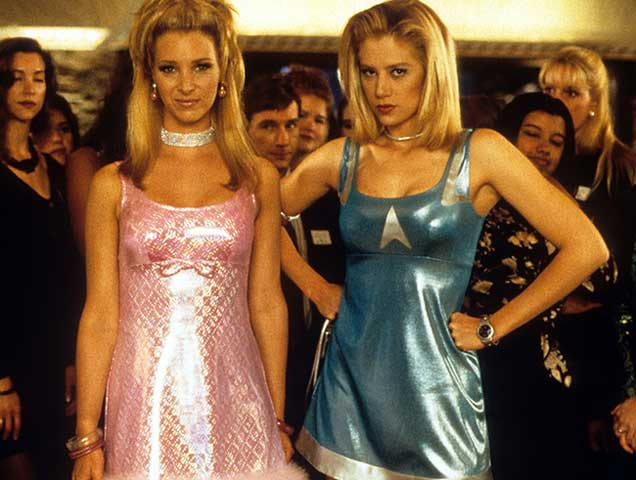 The 7 Most Iconic Outfits From Your Favorite 90s Chick ...