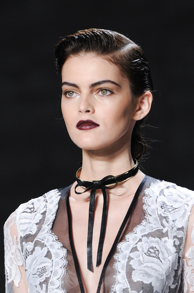 Zimmermann: Elongated Brows & Wine-Stained Lips