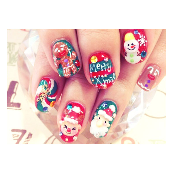 20 Awesomely Tacky Holiday Nail Art Ideas - theFashionSpot