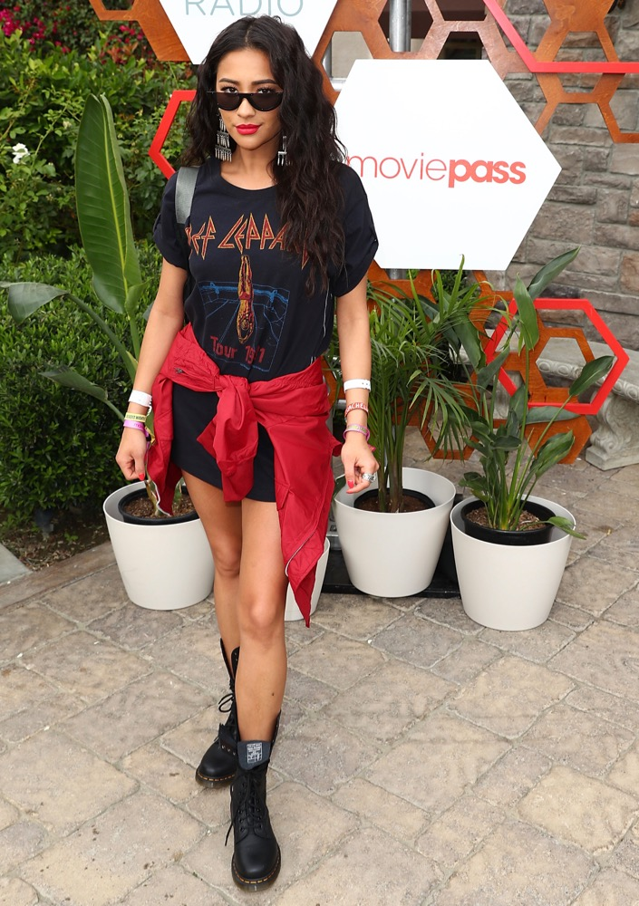 Shay Mitchell, Weekend 1, Day 3